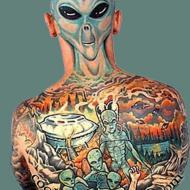 Full ryggtavla med aliens