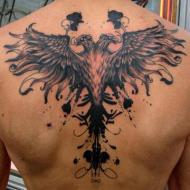 Stor örn på ryggen