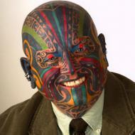 Tatuerat ansikte i färg