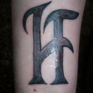 En hyllnings tatuering till bandet Hammerfall