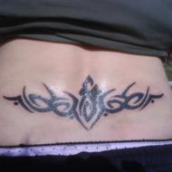 Min första tatuering. Tribal i svanken.