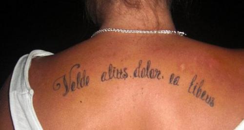 Latinsk text som på svenska är ''min vilja är större än min smärta'' title=
