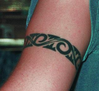 Lite halv keltisk och tribal title=