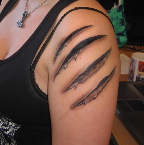 Rivsår. Gjorda av Hasse på No Fear Tattoo i Göteborg 2009. title=